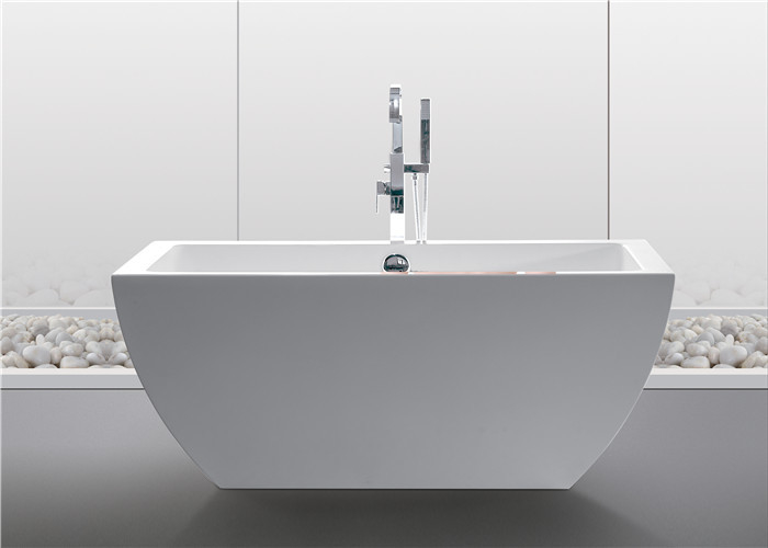 Luxury Freestanding Acrylic Tub , Clear 1500mm Stand Alone Soaker Tub